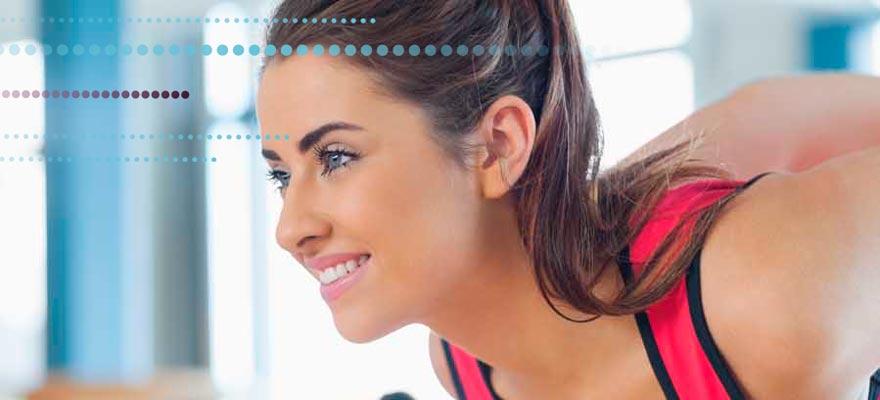 Chica haciendo deporte saludable
